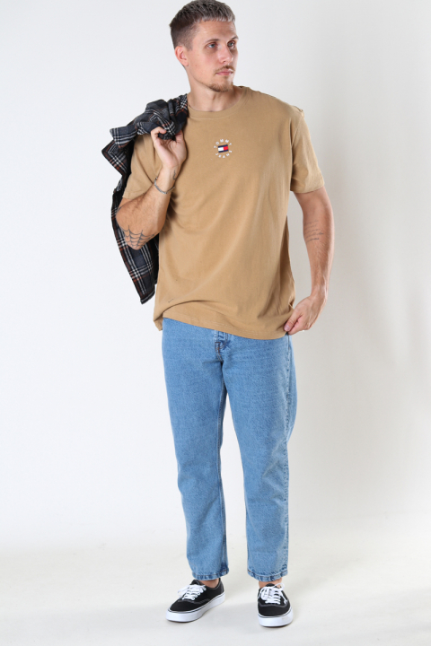 Tommy Jeans TJM TINY TOMMY  CIRCULAR TEE Classic Khaki