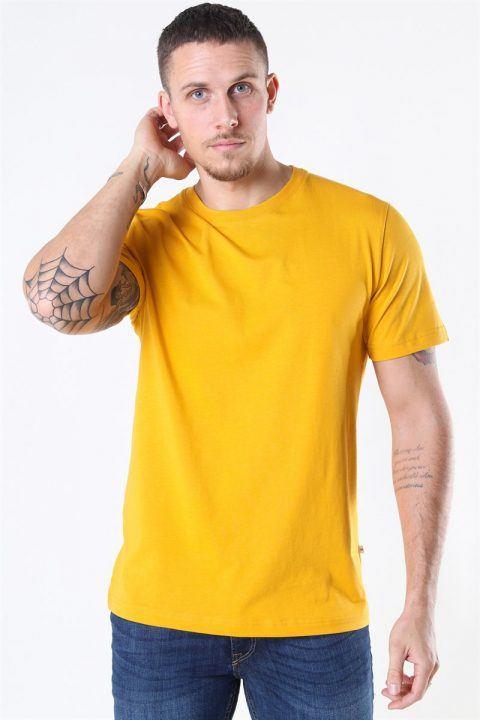 Køb Selected Norman 180 SS O-Neck T-shirt Mango Mojito