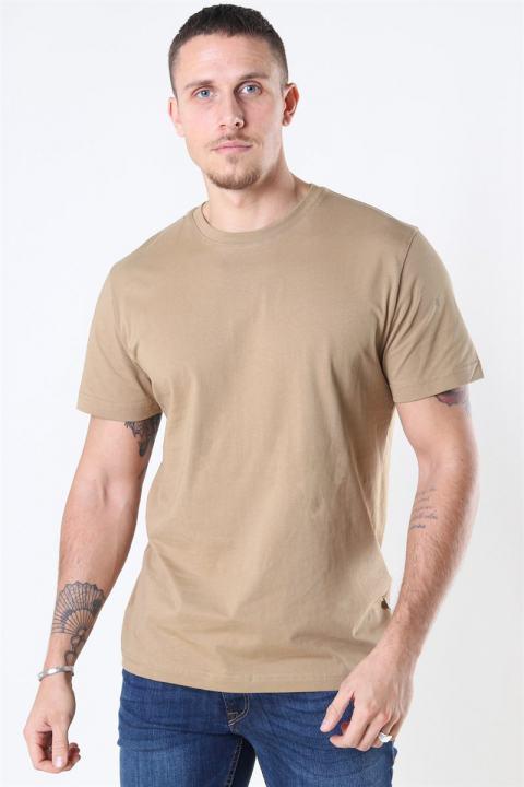 Køb Selected Norman 180 SS O-Neck T-shirt Kelp