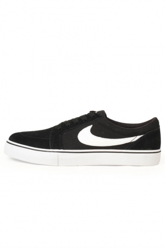 SB Satire II Black White
