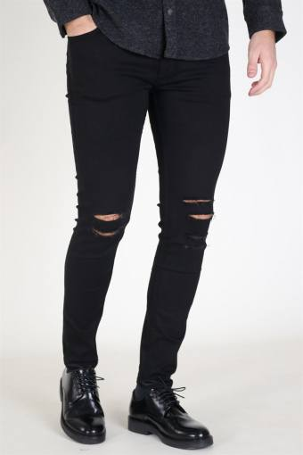 Max Jeans Black Holes