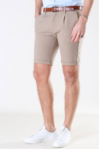 Pleated Shorts Sand Mix